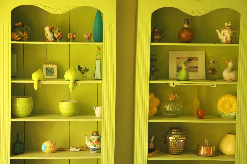 armoire pastel